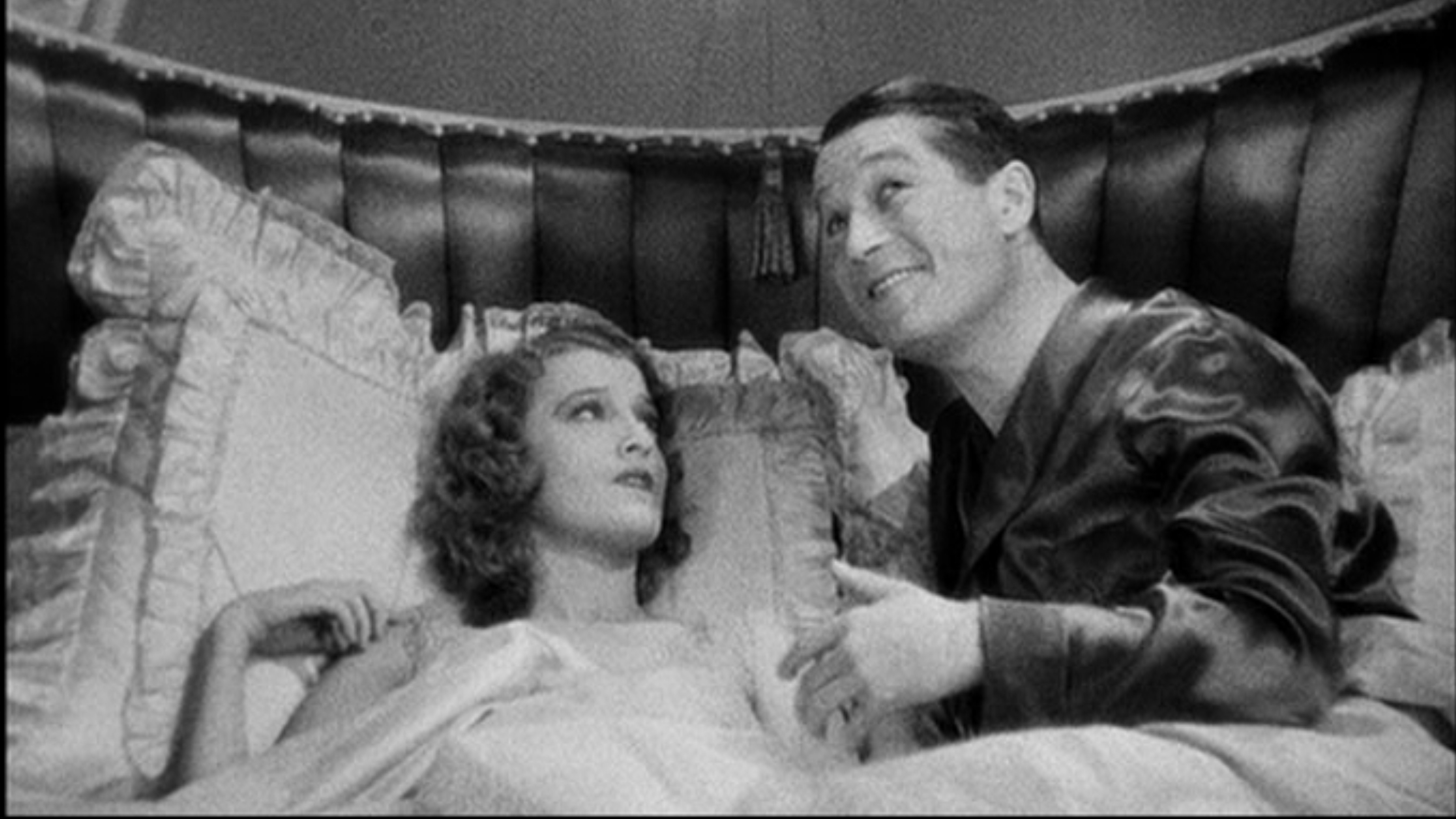 Maurice Chevalier & Jeanette MacDonald in One Hour With You